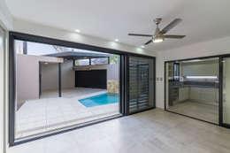 Casa 2C - REFORMA y AMPLIACIÓN : Comedores de estilo moderno por D'ODORICO OFICINA DE ARQUITECTURA