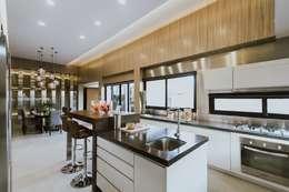 廚房 by Living Innovations Design Unlimited, Inc.