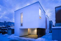 山の手コートハウス: 一級建築士事務所 Atelier Casaが手掛けた家です。