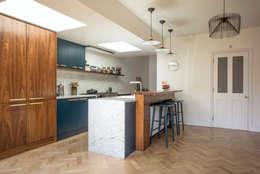 مطبخ تنفيذ Space Group Architects