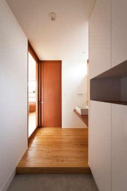 川西GREEN HOUSE: ラブデザインホームズ/LOVE DESIGN HOMESが手掛けた廊下 & 玄関です。