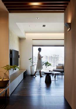 玄關:  客廳 by 樸十設計有限公司 SIMPURE Design