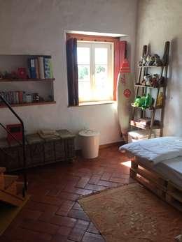 Livings de estilo moderno por Officina Boarotto