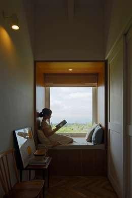ICON: 株式会社 ATELIER O2が手掛けた書斎です。