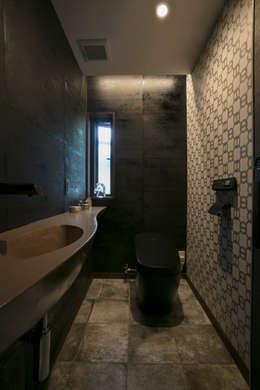 トイレ: 株式会社井蛙コレクションズが手掛けた洗面所&風呂&トイレです。