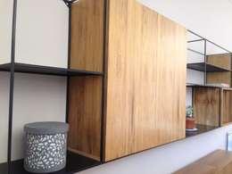 Muebles varios obra Villa del Parque: Livings de estilo minimalista por Barragan Carpinteria