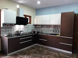 Project Gayatri - Mahalaxmi Layout - Bangalore: modern Kitchen by Pebblewood.in