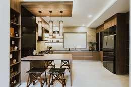 Nhà bếp by Living Innovations Design Unlimited, Inc.