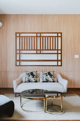 II House: tropical Bedroom by Living Innovations Design Unlimited, Inc.