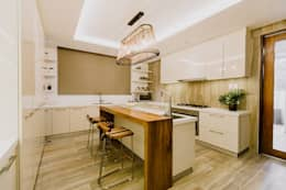 RT House: modern Kitchen by Living Innovations Design Unlimited, Inc.