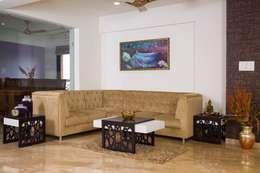 Mrs. Rama Vaidyananath: modern Living room by Aesthetica