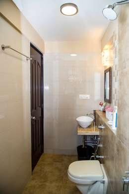 Mrs. Rama Vaidyananath: modern Bathroom by Aesthetica
