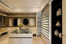 غرفة الملابس تنفيذ 喬克諾空間設計
