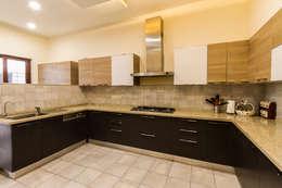 Kitchen : modern Kitchen by NVT Quality Build solution