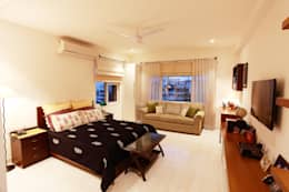 Lotus Apartment: modern Bedroom by Saloni Narayankar Interiors