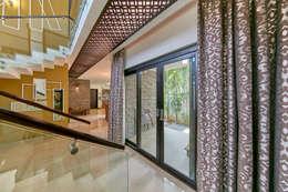 Design ceiling: modern Living room by NVT Quality Build solution