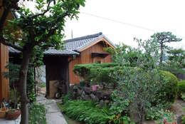 Rumah by 丸菱建築計画事務所 MALUBISHI ARCHITECTS