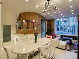 Ngắm Ngôi Nhà 1 Trệt 2 Lầu 6x8m Với Thiết Kế Mặt Tiền Đẹp, Độc Đáo:  Phòng khách by Công ty TNHH Xây Dựng TM – DV Song Phát