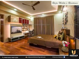 CONTEMPORARY INTERIORS BUNGALOW -RESIDENCE-APARTMENT- VILLA INTERIOR-LIVING ROOM:   by UNISPACE INTERIOR