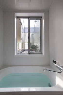 浴室 by 山本嘉寛建蓄設計事務所 YYAA