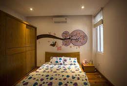Mẫu Thiết Kế Nhà 4 Tầng 8x12m Hướng Tây Luôn Mát Mẻ Ở Gò Vấp:  Phòng ngủ by Công ty TNHH Xây Dựng TM – DV Song Phát