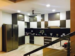 Dr.Sudhakar's Residence,Tirupathi:  Kitchen units by M/s Studio7 Architects