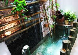 Sự biến tấu nhẹ nhàng của vườn nhỏ với hồ cá.:  Vườn ao by Công ty TNHH Thiết Kế Xây Dựng Song Phát