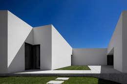 Villa von Rui Vieira Oliveira Arquitecto
