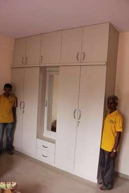 Interior: modern Dressing room by TASA interior designer