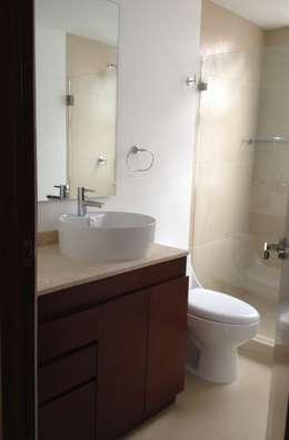 baño: Baños de estilo  por MIRIAM ESCOBEDO INTERIORISTA