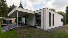 eigentijdse villa: moderne Huizen door CHORA architecten