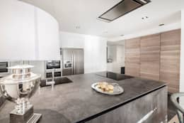 modern Kitchen by DOMUS NOVA