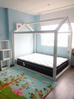 Recamaras infantiles Niña: Habitaciones infantiles de estilo  por Divan ingenieria