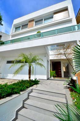 บ้านเดี่ยว by Maciel e Maira Arquitetos