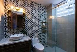 Thiết Kế Nhà 3 Tầng 5x8m Thoáng Mát Với Chi Phí 900 Triệu Ở Gò Vấp:  Phòng tắm by Công ty TNHH Xây Dựng TM – DV Song Phát