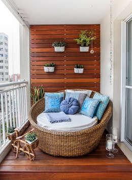 Không gian yên tĩnh thoải mái sẽ mang đến cho bạn một nơi lý tưởng để nghỉ ngơi.:  Hiên, sân thượng by Công ty TNHH Thiết Kế Xây Dựng Song Phát