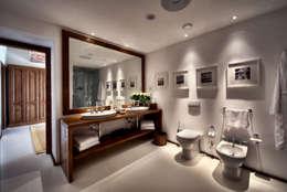 Baños de estilo  por COVERMAX RESINE