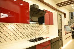 Kitchen: modern Kitchen by Skaav Luxury Interiors