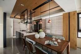 喆境:  餐廳 by 築青室內裝修有限公司