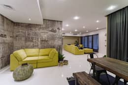 Industrial Living room :  Corridor & hallway by Aorta the heart of art