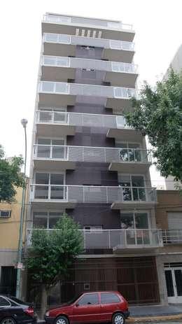 Frente 2: Casas de estilo moderno por gatarqs