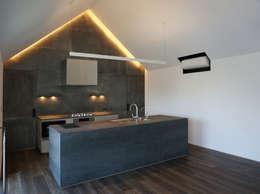 2Fのキッチン: 株式会社seki.designが手掛けたキッチンです。