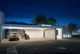 minimalistic Houses by Dionne Arquitectos
