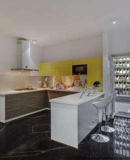 Striking House Kitchen Designs: 40×60, 4BHK: asian Kitchen by M/S Ashwin Architects