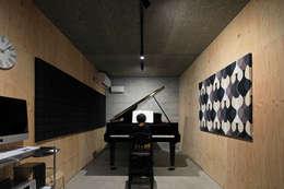 modern Study/office by ㈱ライフ建築設計事務所
