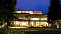JACARANDAS HOUSE: Casas de estilo moderno por Hernandez Silva Arquitectos