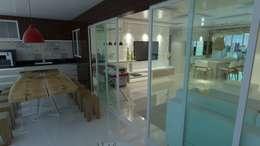 Projeto de Interiores Residencial: Salas de estar modernas por Eduardo Torres Arquitetura e Design