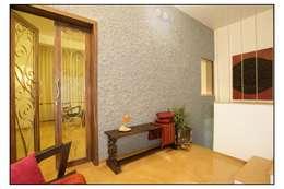 Corridor:  Corridor, hallway & stairs  by RA LIFESTYLES