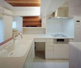 modern Kitchen by 株式会社西田順紀アトリエ