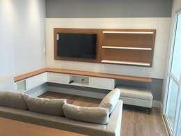 Phòng giải trí by ICONO Projetos e Interiores